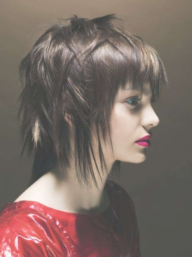 Best 25+ Edgy Medium Haircuts Ideas On Pinterest | Hair Cuts Edgy In Most Recent Funky Medium Haircuts For Round Faces (View 12 of 25)