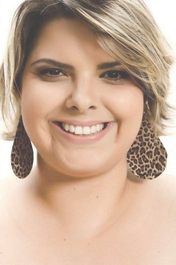Best 25+ Fat Face Hairstyles Ideas On Pinterest | Fat Round Face Inside Newest Flattering Medium Haircuts For Fat Faces (View 13 of 25)