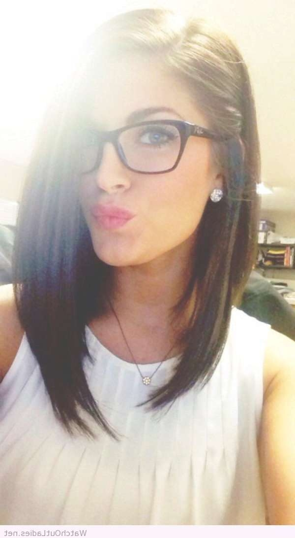Best 25+ Girls With Glasses Ideas On Pinterest | Cute Girl With Intended For Most Popular Medium Hairstyles For Girls With Glasses (View 9 of 25)