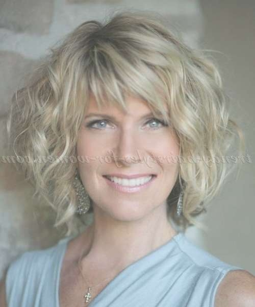 stylish haircuts for women over 40 25 ideas of stylish medium haircuts for 40 6240