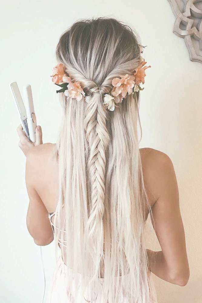 Best 25+ Homecoming Hair Ideas On Pinterest | Homecoming Pertaining To Recent Medium Hairstyles For Homecoming (View 11 of 25)