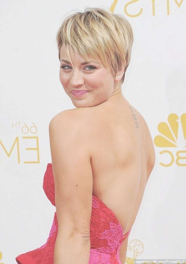 Best 25+ Kelly Cuoco Short Hair Ideas On Pinterest | Short Hair Within 2018 Kaley Cuoco New Medium Haircuts (View 23 of 25)