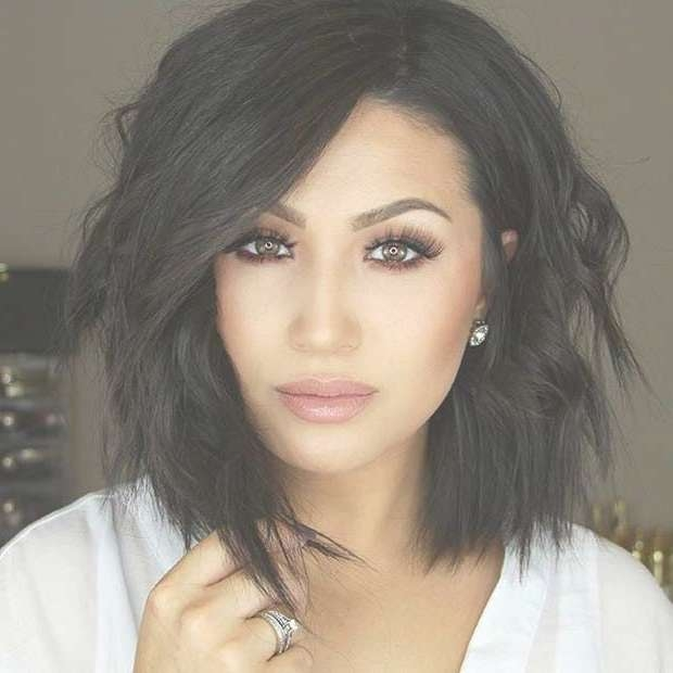 Best 25+ Medium Bob Hairstyles Ideas On Pinterest | Medium Bobs For Most Popular Medium Haircuts With One Side Longer Than The Other (View 24 of 25)