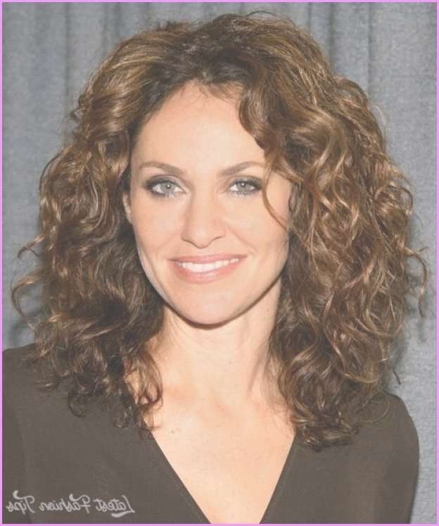Best 25+ Medium Curly Haircuts Ideas On Pinterest | Curly Medium For Most Up To Date Medium Haircuts For Thick Curly Hair (View 2 of 25)