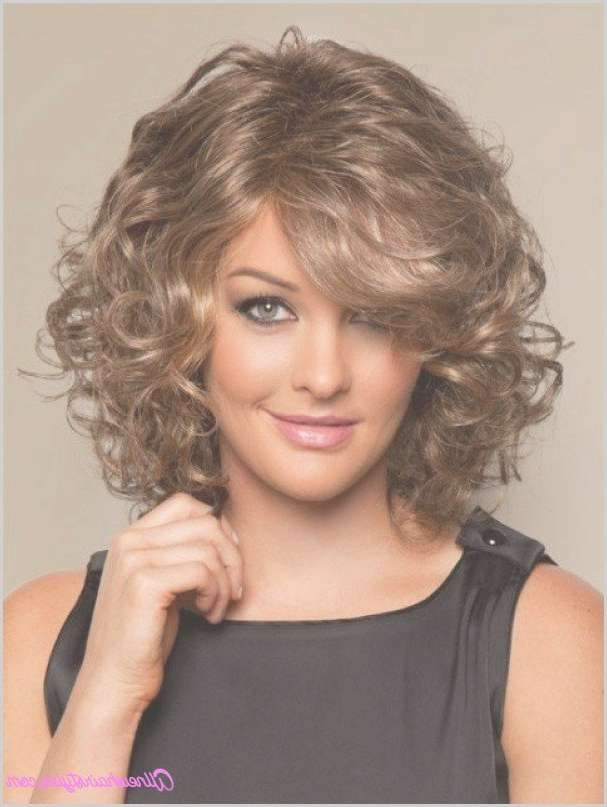 best curly hair styles 2018 popular medium haircuts for faces with curly hair 7453
