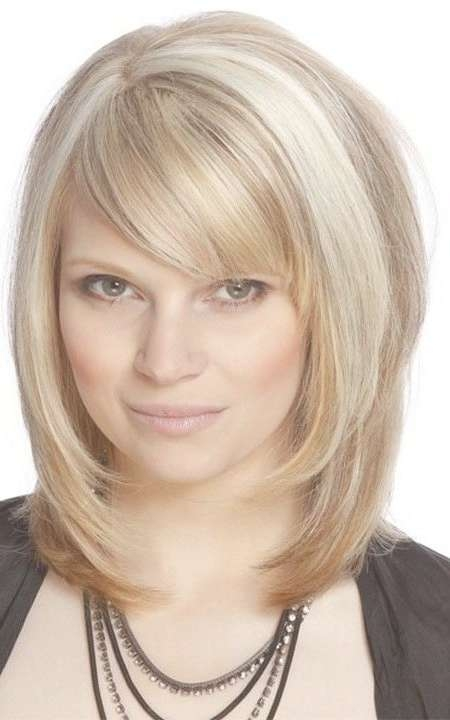 Best 25+ Medium Haircuts With Bangs Ideas On Pinterest | Hair Cuts With Latest Medium Haircuts With Full Bangs (View 25 of 25)