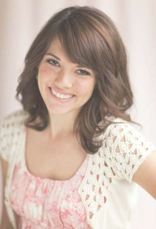 Best 25+ Medium Hairstyles With Bangs Ideas On Pinterest Inside Current Ladies Medium Hairstyles With Fringe (View 7 of 15)