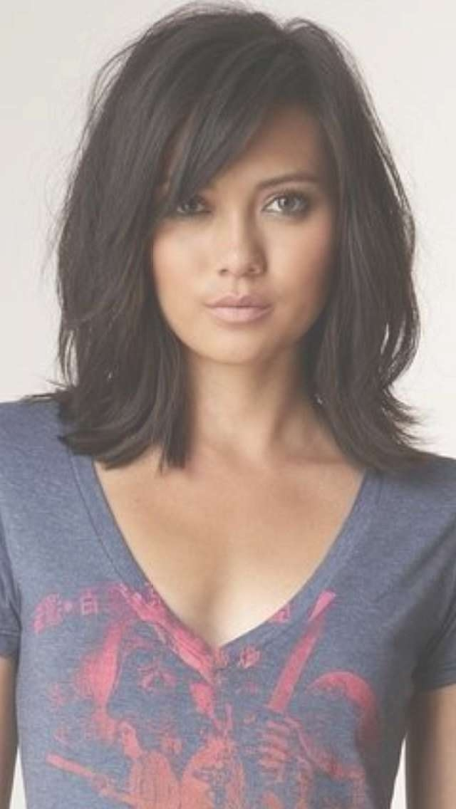 Best 25+ Medium Layered Haircuts Ideas On Pinterest | Medium Intended For 2018 Medium Hairstyles With Bangs And Layers For Round Faces (View 22 of 25)