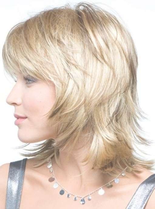 Best 25+ Medium Layered Hairstyles Ideas On Pinterest | Medium Throughout 2018 Medium Hairstyles For Fine Hair With Bangs (View 11 of 25)