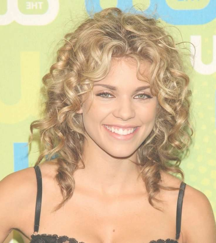 Best 25+ Medium Length Curly Hairstyles Ideas On Pinterest | Curly Regarding Most Up To Date Medium Hairstyles With Layers And Curls (View 9 of 25)