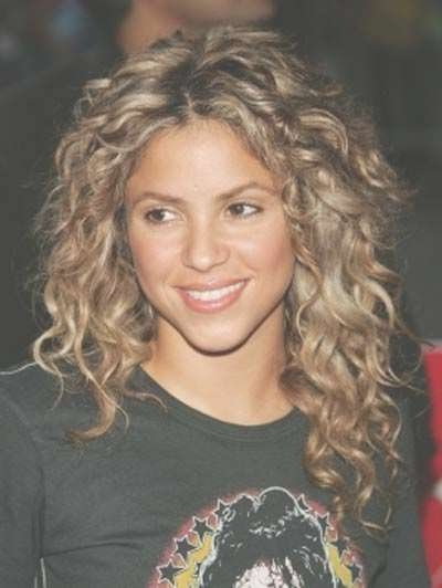 Best 25+ Medium Length Curly Hairstyles Ideas On Pinterest | Curly Throughout Latest Medium Hairstyles For Very Curly Hair (View 8 of 15)