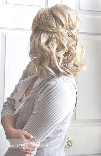 Best 25+ Medium Length Wedding Hair Ideas On Pinterest | Medium Throughout Best And Newest Wedding Half Up Medium Hairstyles (View 18 of 25)