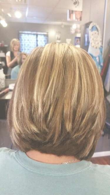 Featured Photo of Wedge Medium Haircuts