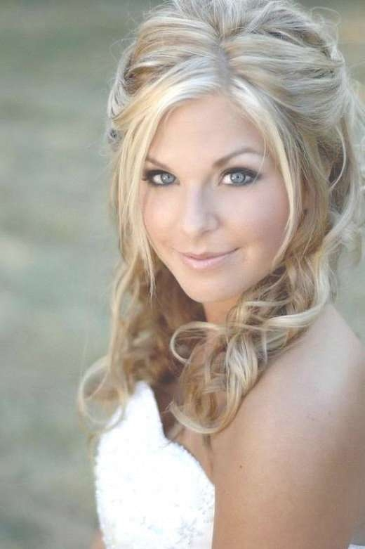 Best 25+ Medium Wedding Hair Ideas On Pinterest   Bridesmaid Hair Pertaining To Recent Wedding Medium Hairstyles (View 10 of 25)