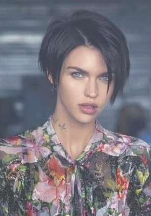 Best 25+ Ruby Rose Hair Ideas On Pinterest | Ruby Rose, Ruby Rose Throughout Most Popular Ruby Rose Medium Hairstyles (View 4 of 15)