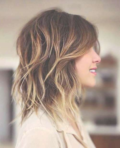 Featured Photo of Medium Haircuts With Short Layers