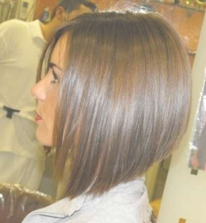Best Graduated Angled Bob Haircut – Side View Of Angled Bob Inside Angled Bob Haircuts (View 22 of 25)