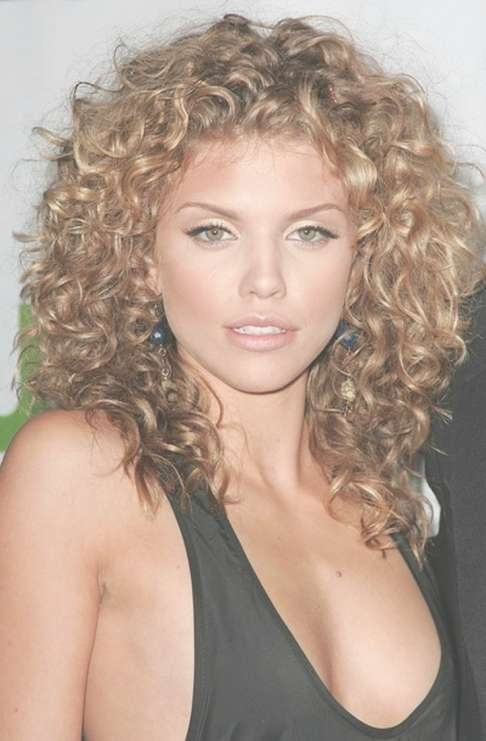 Best Haircut For Wavy Hair Medium Length Within Most Recently Medium Haircuts For Thick Curly Hair (View 22 of 25)