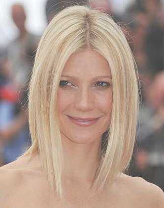 Best Hairstyles For Oval Faces 2013: 2013 Medium Hairstyles With Inside Most Popular Medium Haircuts For Oblong Face (View 22 of 25)