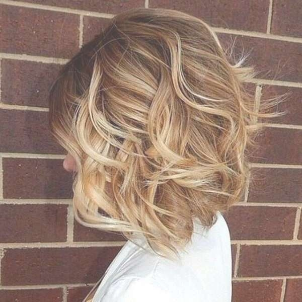 Best Medium Length Hairstyles You'll Fall In Love With – Hairsea Regarding Latest Fall Medium Hairstyles (View 4 of 25)