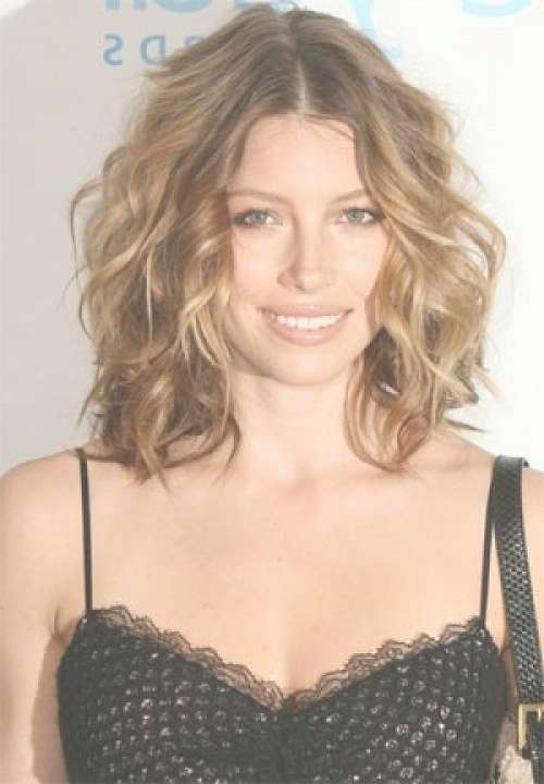 Best Medium Length Wavy Hairstyles For Women Over 40 – New Throughout Most Up To Date Medium Haircuts Over (View 8 of 25)