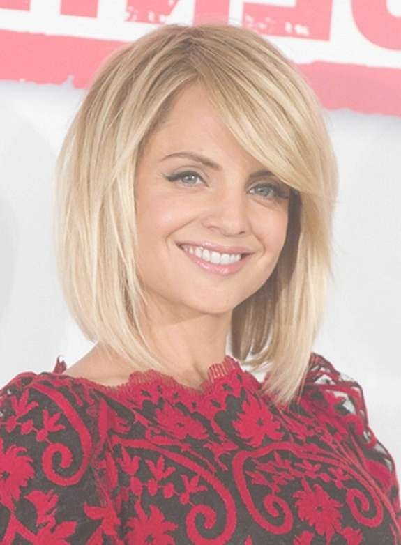 Best Shoulder Length Bob Hairstyles With Side Bangs For Round Face Regarding Best And Newest Medium Hairstyles With Side Bangs For Round Faces (View 8 of 25)