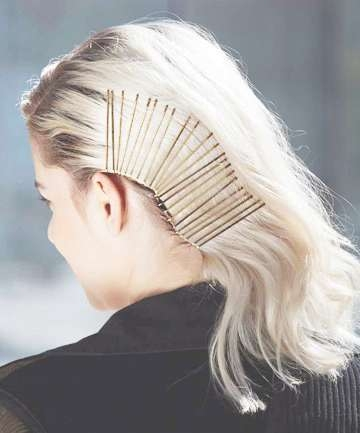 Bobby Pin Hairstyles: Side Swept, 12 Gorgeous Bobby Pin Hairstyles Regarding Most Popular Medium Hairstyles With Bobby Pins (View 7 of 25)