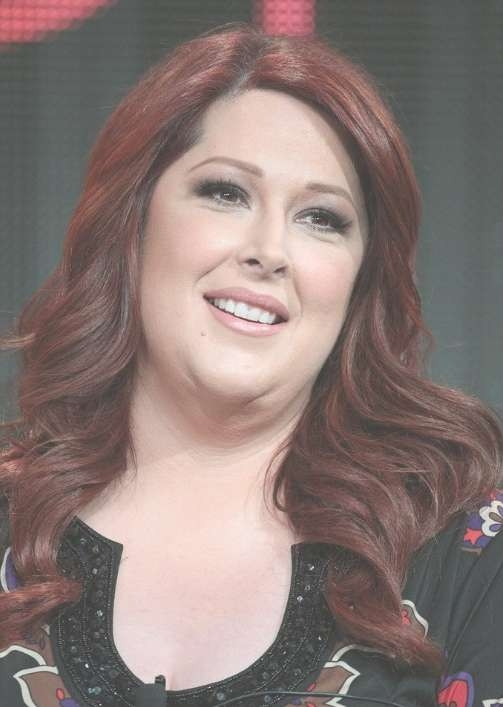 Carnie Wilson Auburn Long Wavy Hairstyles – Popular Haircuts In Most Up To Date Auburn Medium Haircuts (View 15 of 25)