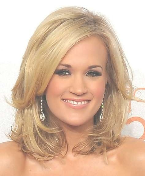 Carrie Underwood Hairstyles – Hairstyles Weekly Pertaining To Recent Carrie Underwood Medium Haircuts (View 4 of 25)