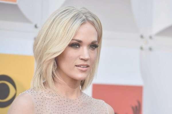 Carrie Underwood Medium Layered Cut – Carrie Underwood Shoulder Regarding Most Recent Carrie Underwood Medium Hairstyles (View 12 of 25)