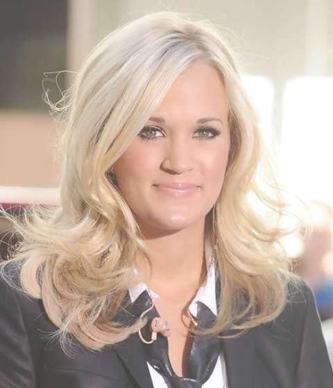 Carrie Underwood Medium Length Hairstyle: Flip Curls – Pretty Designs For Newest Carrie Underwood Medium Haircuts (View 8 of 25)