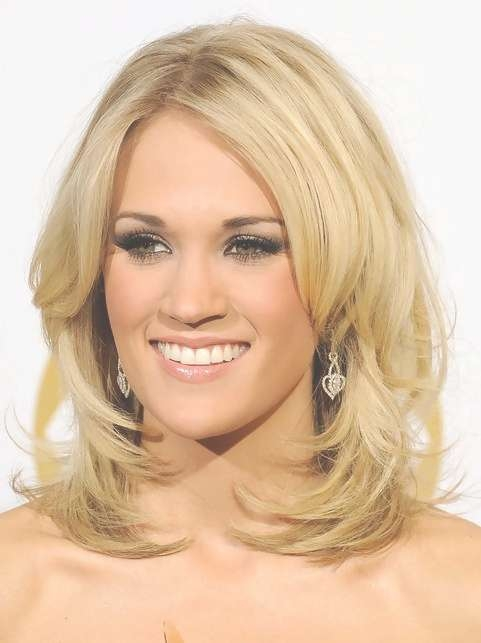 Carrie Underwood Medium Length Hairstyle: Layered Hair – Pretty Within Recent Carrie Underwood Medium Haircuts (View 2 of 25)