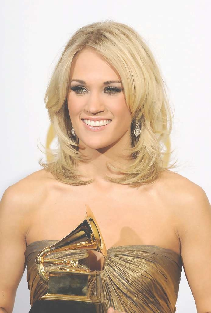 Carrie Underwood Shoulder Length Hairstyles – Carrie Underwood Inside Newest Carrie Underwood Medium Haircuts (View 11 of 25)