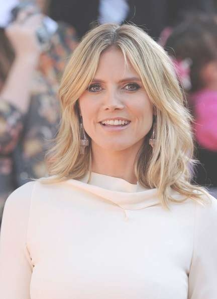 Casual With Cool Color Scheme – Shoulder Length Straight Hairstyle Pertaining To Best And Newest Heidi Klum Medium Haircuts (View 19 of 25)