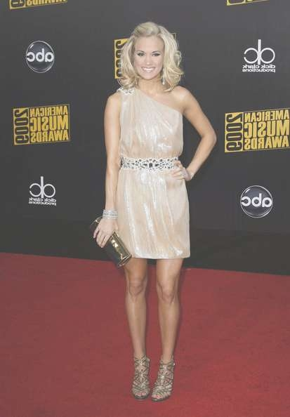 Celebrity Hairstyle Ideas: Carrie Underwood Medium Wavy Bob Hairstyle In Carrie Underwood Bob Haircuts (View 3 of 25)