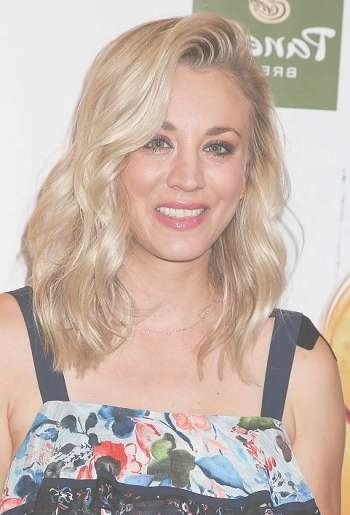 Celebrity Hairstyle News: Check Out Kaley Cuoco's New Medium Throughout Most Popular Kaley Cuoco New Medium Haircuts (View 12 of 25)
