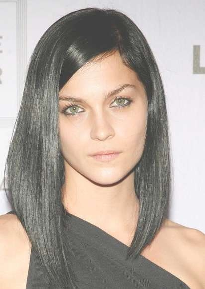 Celebrity Hairstyles: Neat Asymmetrical Medium Length For Black With Regard To Most Current Medium Hairstyles For Black Hair (View 20 of 25)