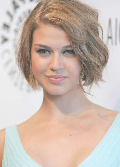 Chic Natural Look Short Wavy Bob Haircut – Adrianne Palicki Short Within Celebrity Short Bobs Haircuts (View 20 of 25)