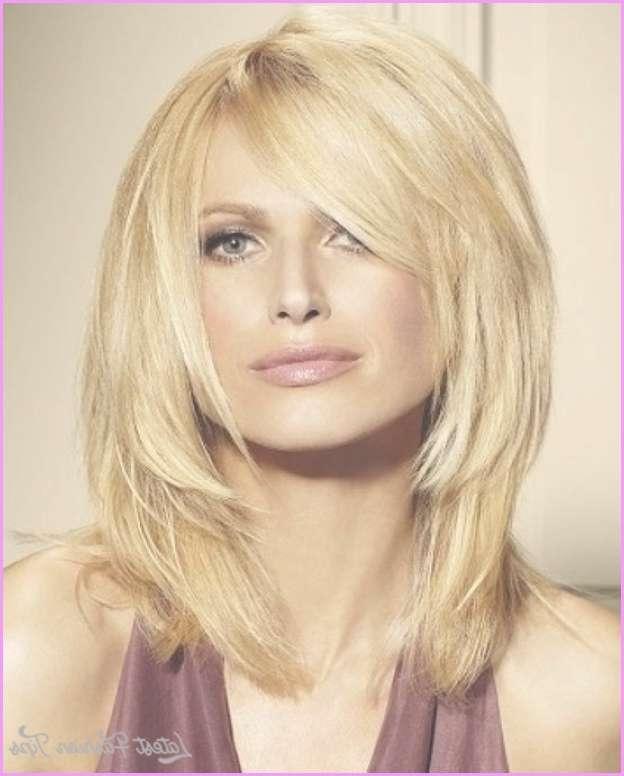 Choppy Medium Haircuts No Bangs – Latestfashiontips ® Pertaining To Most Popular Choppy Medium Haircuts (View 24 of 25)