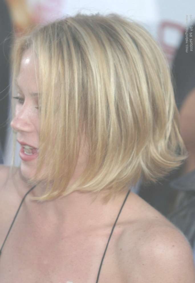 Christina Applegate | One Length Bob With The Ends Styled Outward Regarding One Length Bob Haircuts (View 11 of 25)