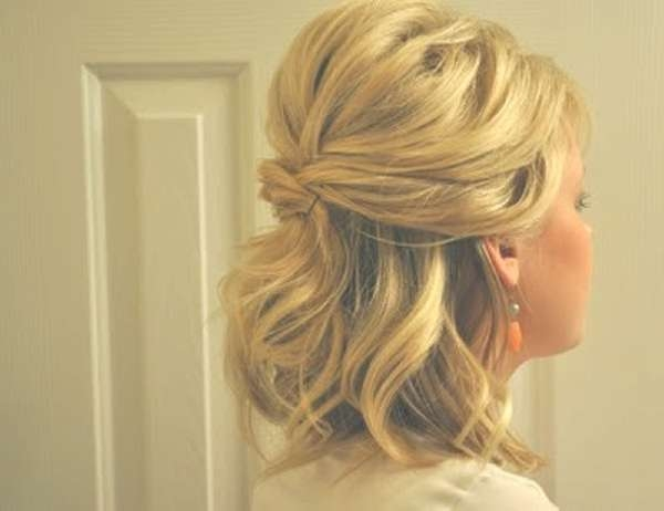 Cool Quick Half Hairstyle For Medium Length Thick Hair   Medium Inside Most Current Half Up Medium Hairstyles (View 4 of 25)