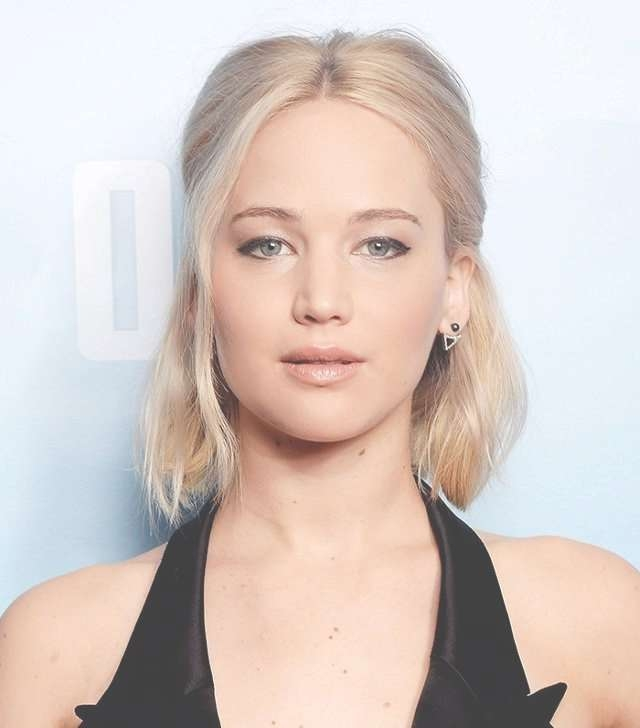 Copy That: A Jennifer Lawrence Hairstyle For Every Day Of The Week Throughout Jennifer Lawrence Bob Haircuts Jennifer Lawrence (View 11 of 25)