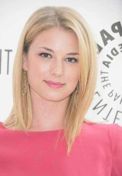Cute Center Parted Medium Length Hairstyle For 2014 – Pretty Designs Throughout Most Popular Center Part Medium Hairstyles (View 6 of 25)