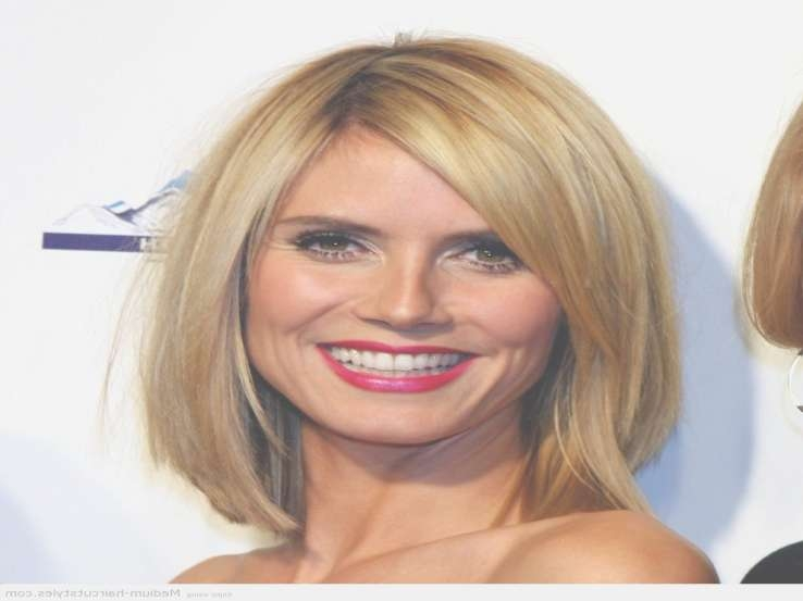 Cute Medium Length Hairstyles For Blonde Hair And Oval Face Shape Intended For Most Current Oval Face Shape Medium Haircuts (View 11 of 25)