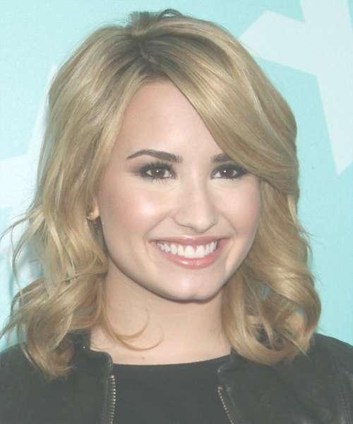 Featured Photo of Demi Lovato Medium Hairstyles