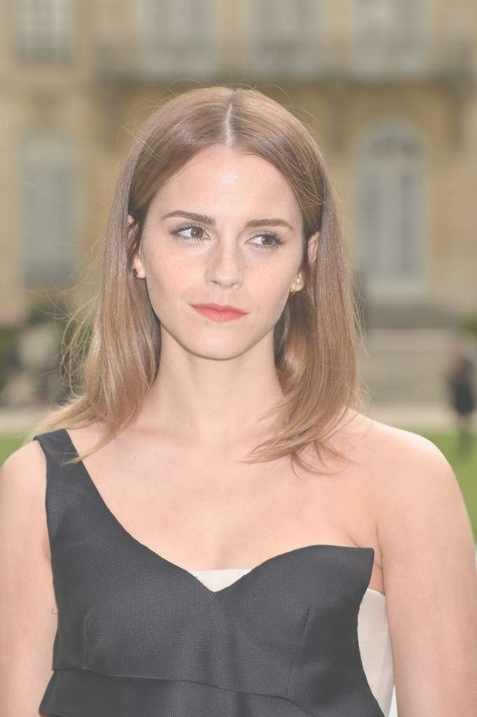Easy Emma Watson Medium Length Hair Within Newest Center Part Medium Hairstyles (View 21 of 25)