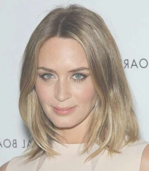 Emily Blunt Medium Blonde Hairstyle – Casual, Everyday For Most Current Blunt Medium Hairstyles (View 19 of 25)