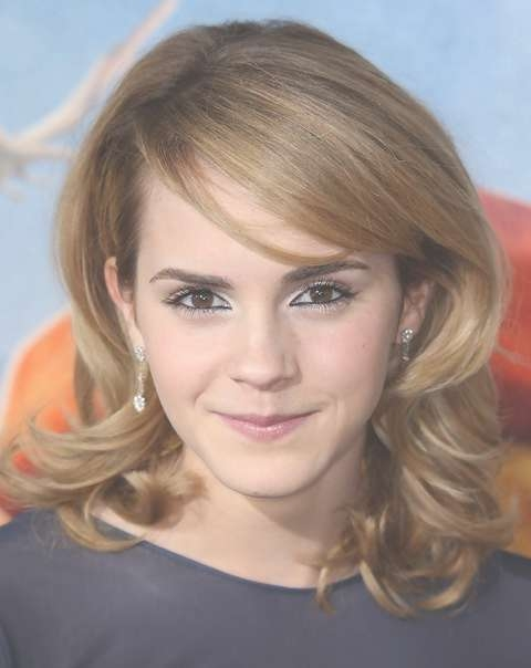 Emma Watson Medium Hairstyle: Wavy Haircut With Swept Bangs Intended For Most Recent Medium Hairstyles Side Swept Bangs (View 10 of 25)