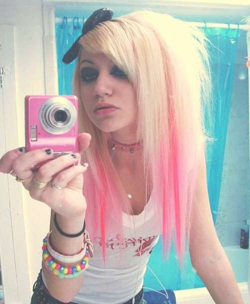 Emo Girl Hairstyles For Medium Blonde Hair With Pink Highlights For Recent Pink Medium Haircuts (View 19 of 25)