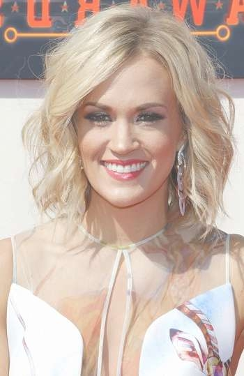 Events: 2016 American Country Countdown Awards   Sophisticated With Regard To Newest Carrie Underwood Medium Hairstyles (View 13 of 25)